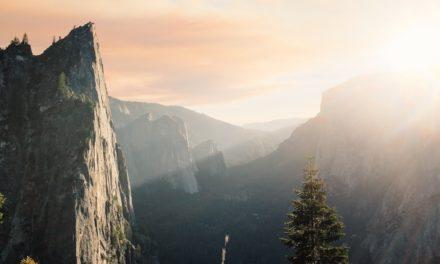 Chủ đề Kinh thánh: Ánh sáng và Bóng tối