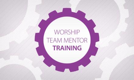 ¿Qué es la tutoría del equipo de adoración?