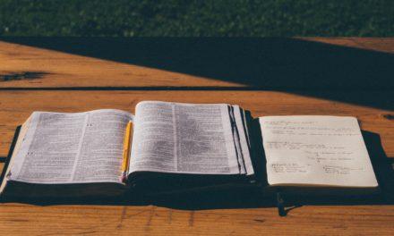 なぜクリスチャンは他の旧約聖書の法律を無視しますが、同性愛を非難するのでしょうか?