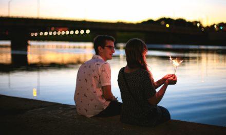 4 비 그리스도인으로 데이트하기 전에 묻는 질문