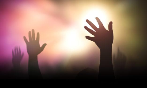 長時間のキリスト教徒を教会に携え続ける