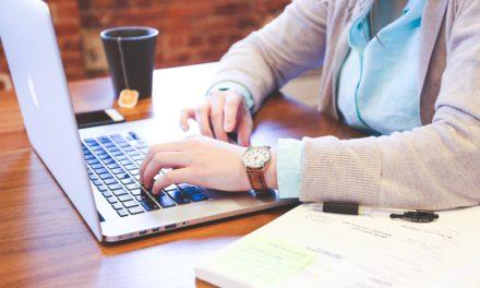 女性は家の外で働くべきですか?
